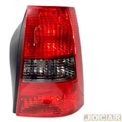 Lanterna traseira - importado - Parati 2003 até 2005 - fumê - lado do passageiro - cada ( unidade ) - ZN14141028