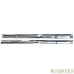 Soleira - alternativo - Fusca 1300 1967 até 1984 - estribinho interno inox - cromado - par