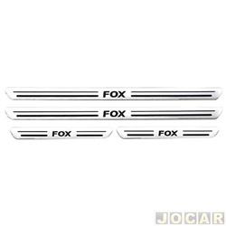 Aplique da soleira - Fox 2003 até 2014 - resinado - auto colante - aço escovado - jogo