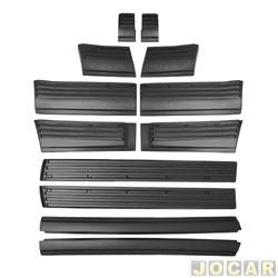 Friso lateral - D-20 - até 1995  - 2 portas - fixado com grampos - preto - jogo