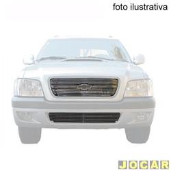 Aplique da grade - BMJ - Chevrolet S10/Blazer 2006 até 2008 - 2 peças -Filetes horizon. e aplique no pára-choque - cromado - dianteiro - jogo - 30.1 / 035