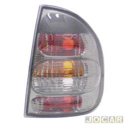 Lanterna traseira tuning - alternativo - Inovox (RCD) - Corsa Sedan 2000 até 2002 - linha Evolution - fumê - lado do passageiro - cada (unidade) - I2222
