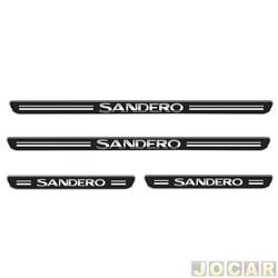 Aplique da soleira - Emblemax - Sandero 2014 em diante - resinado - 4 portas - auto colante - preto e cromado - jogo - SOL005