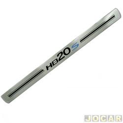 Aplique da soleira - NP Adesivos - HB20S 2012 em diante - resina aço escovado - 4 portas - auto colante  - jogo - NP-001840