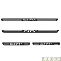 Aplique da soleira - Emblemax - City 2009 em diante - resinado - 4 portas - auto colante - preto e cromado - jogo - SOL031