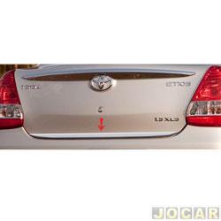 Friso aplique do capô traseiro - Sport Inox - Etios Sedan 2012 em diante - auto colante - resinado - aço escovado - cada (unidade) - TO005FSIE