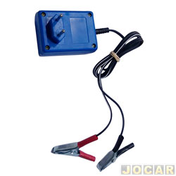 Carregador de bateria - portátil - bivolt 110 ou 220 Volts - eletronico - cada (unidade)