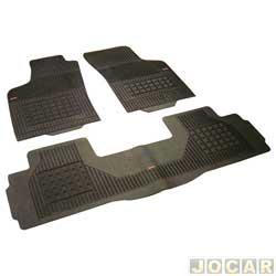 Tapete de borracha - Borcol - Uno/Elba/Prêmio 1984 até 2004 - modelo Interlagos 3 peças - preto - jogo - 01415391
